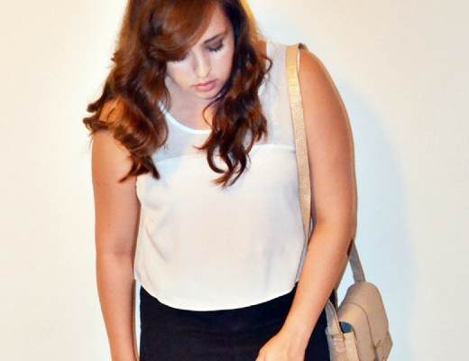 Look plus size com cropped branco