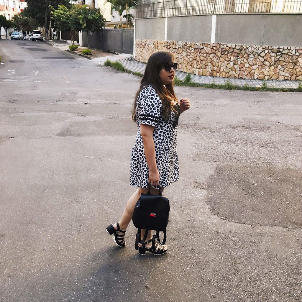 look-do-dia-plus-size-vestido-oncinha-bh