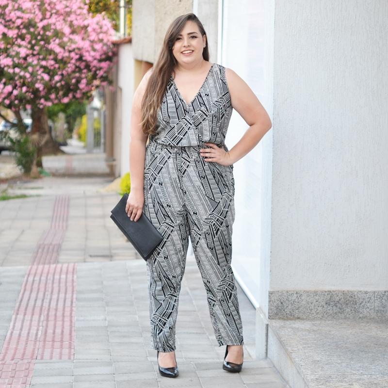 lookbook-plus-size-macacao-preto-e-branco
